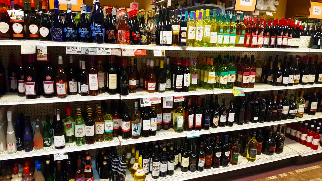 Check out our large wine selection | Belknap Liquor & Lounge Superior, Wisconsin